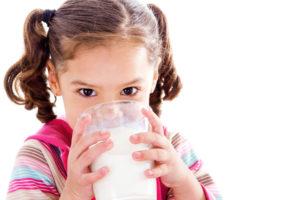 Полезные свойства молока: противопоказания, польза и вред