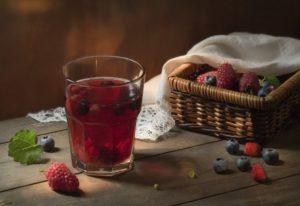 Замороженные ягоды и компот из них: есть ли в них польза