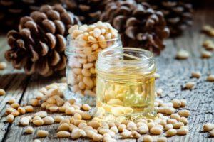 Кедровое масло, применение в лечении, рецепты