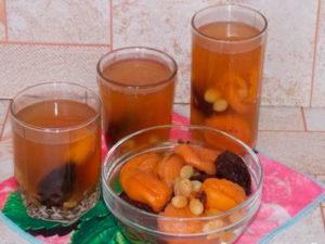 Компот из кураги, сушеных персиков, чернослива или изюма