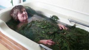 Лечебные ванны с сосновой хвоей