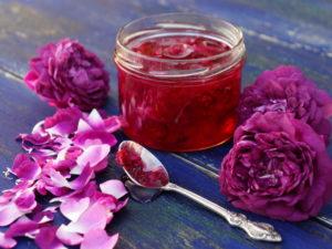 Полезное действие варенья излепестков роз