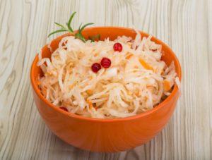 Полезные свойства квашеной капусты: противопоказания, польза и вред
