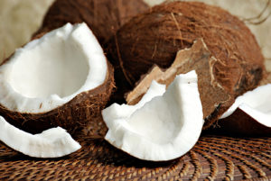 Полезные свойства кокоса: противопоказания, польза и вред