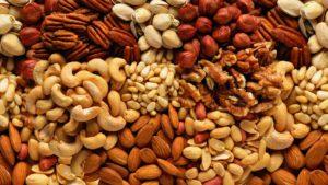 Полезные свойства орехов для мужчин: противопоказания, польза и вред