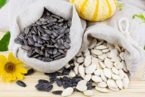 Полезные свойства семечек: противопоказания, польза и вред