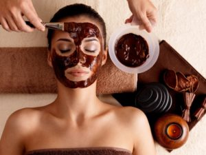 Польза шоколада в косметологии – когда сладкое полезно