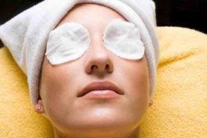 Разглаживающая маска для кожи под глазами
