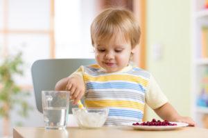 Чем полезна брусника детям?