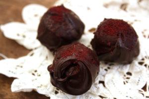 Шоколадные трюфели с ягодами асаи