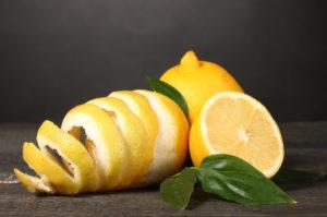 10 полезных причин употребления лимонной кожуры